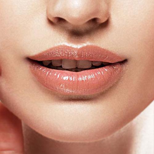 hydratation des lèvres bordeaux