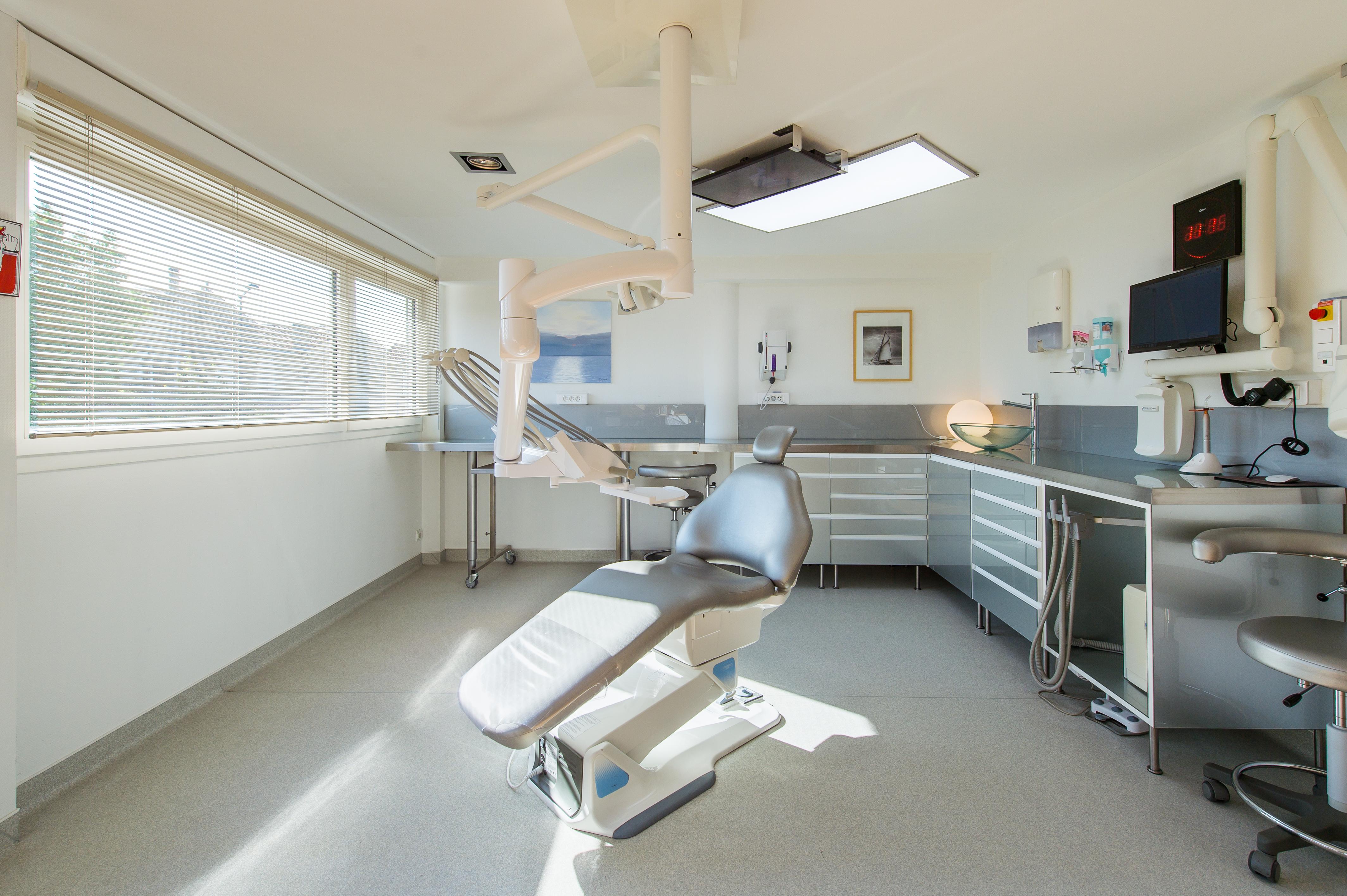 chirurgie dentaire bordeaux dentistes clinique esth tique aquitaine. Black Bedroom Furniture Sets. Home Design Ideas